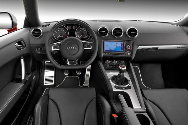 Интерьер салона Audi TTS