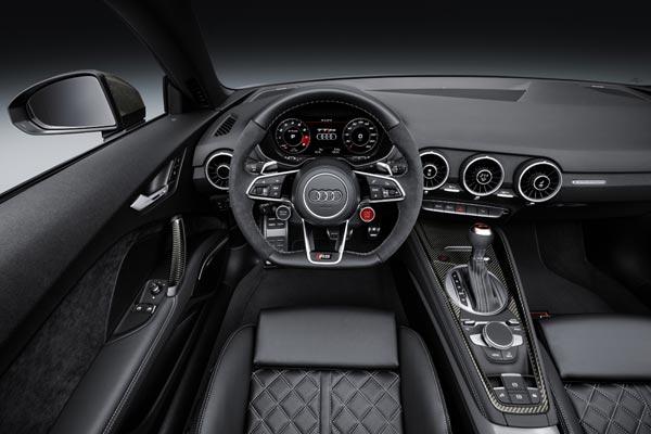 Интерьер салона Audi TT RS Roadster