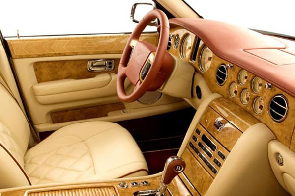 Интерьер салона Bentley Arnage