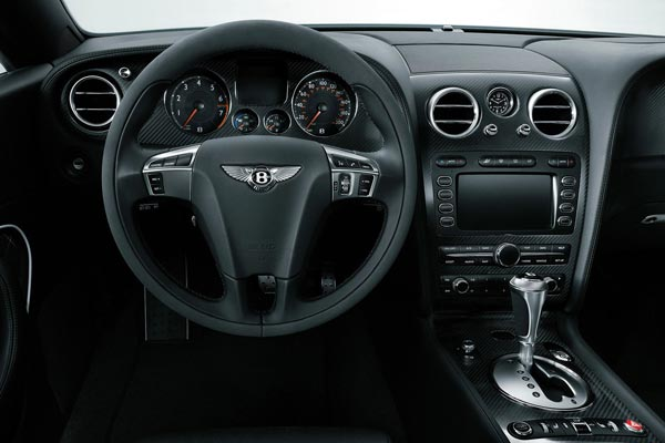 Интерьер салона Bentley Continental Supersports Convertible