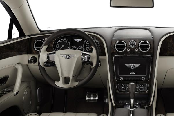 Интерьер салона Bentley Continental Flying Spur
