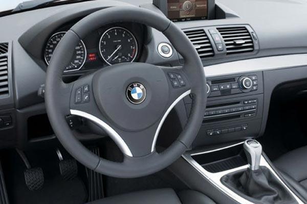 Интерьер салона BMW 1-series Coupe