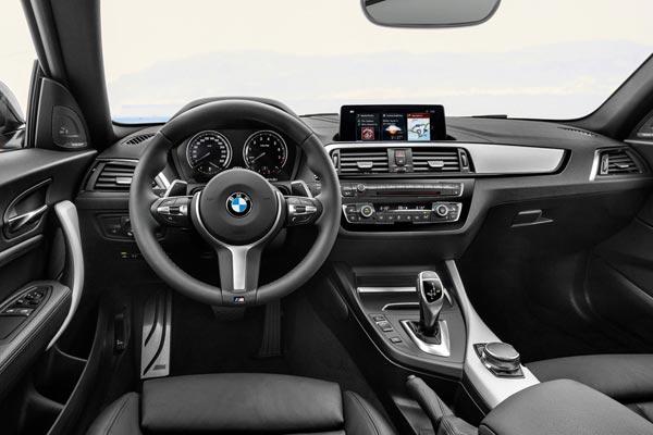 Интерьер салона BMW M240i