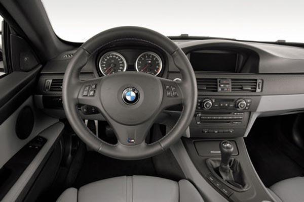 Интерьер салона BMW M3 Sedan