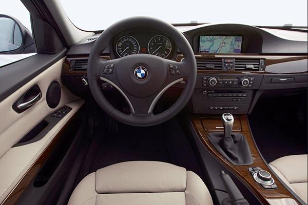 Интерьер салона BMW 3-series Touring