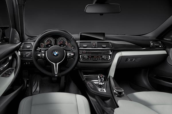 Интерьер салона BMW M3