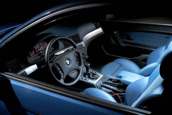 Интерьер салона BMW 3-series Compact