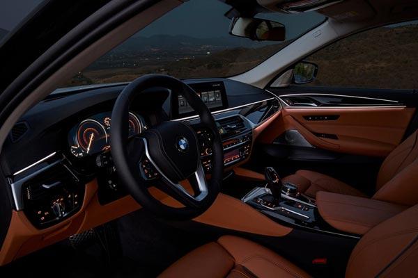 Интерьер салона BMW 5-series