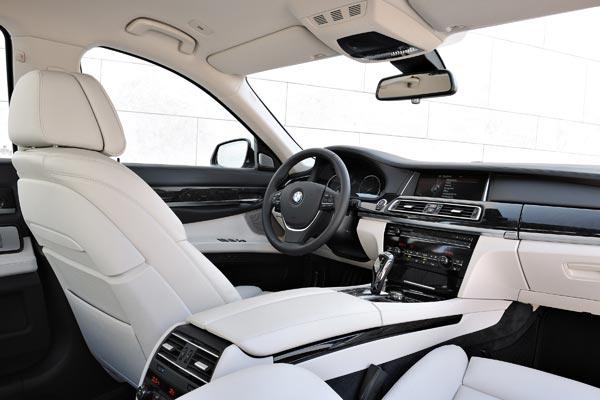 Интерьер салона BMW 7-series