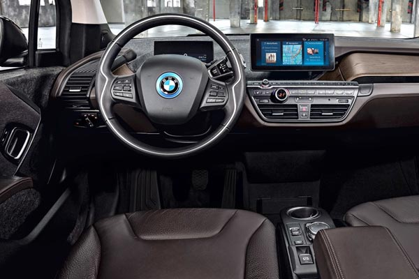 Интерьер салона BMW i3s