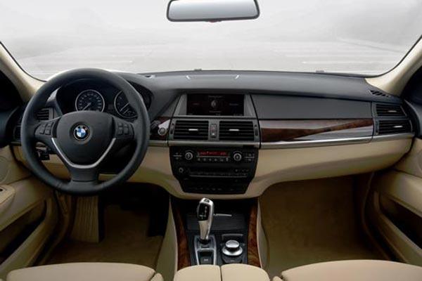 Интерьер салона BMW X5