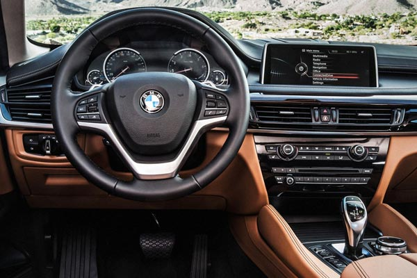 Интерьер салона BMW X6
