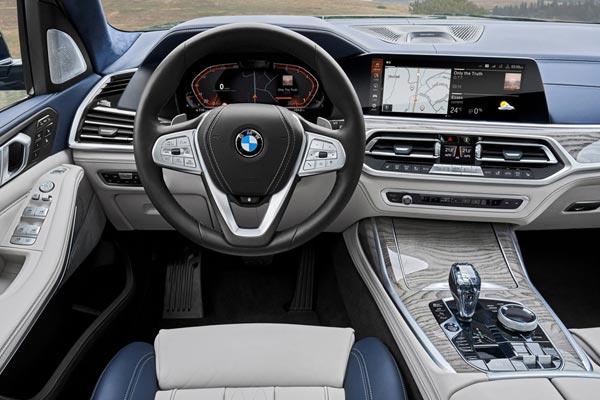 Интерьер салона BMW X7