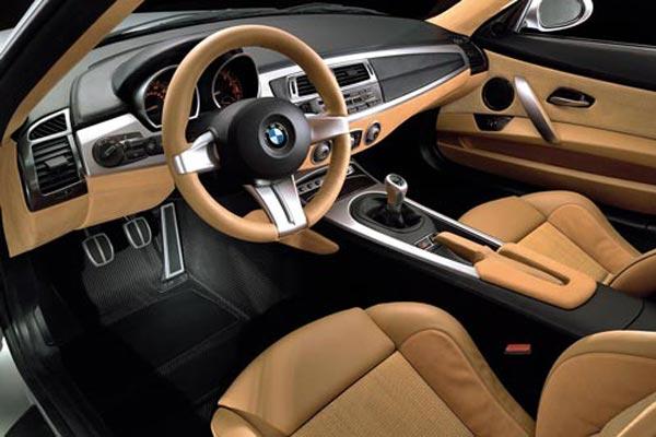 Интерьер салона BMW Z4 Coupe