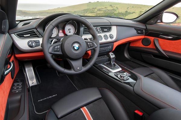Интерьер салона BMW Z4
