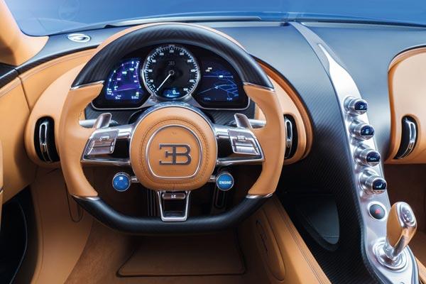 Интерьер салона Bugatti Chiron