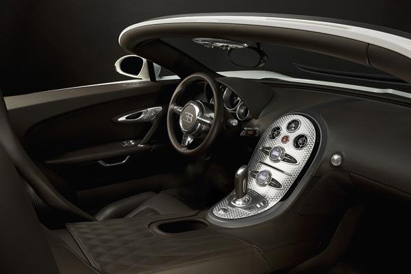 Интерьер салона Bugatti Veyron 16.4 Grand Sport