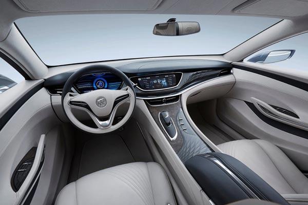 Интерьер салона Buick Avenir
