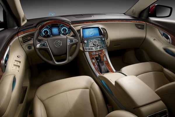 Интерьер салона Buick LaCrosse