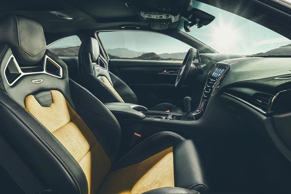 Интерьер салона Cadillac ATS-V Coupe