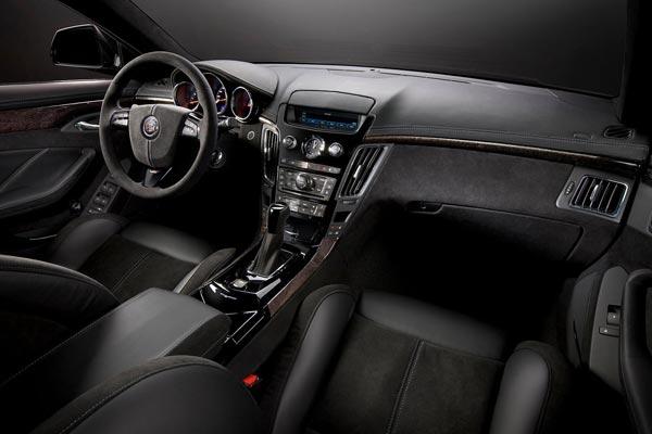 Интерьер салона Cadillac CTS-V Sport Wagon