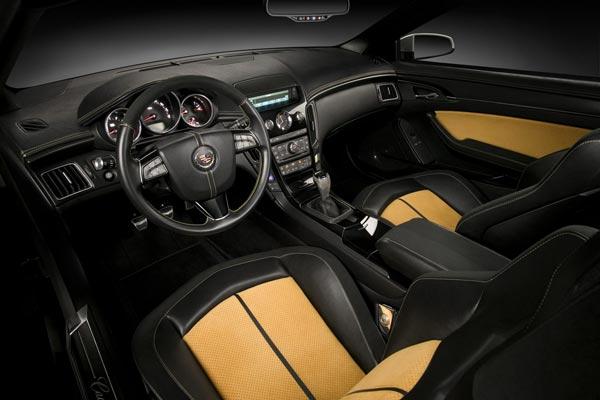 Интерьер салона Cadillac CTS Coupe