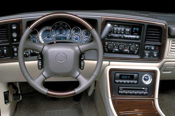 Интерьер салона Cadillac Escalade ESV