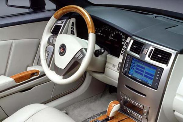 Интерьер салона Cadillac XLR