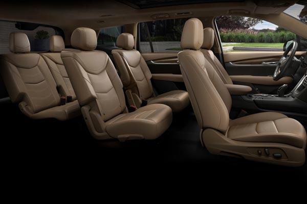 Интерьер салона Cadillac XT6