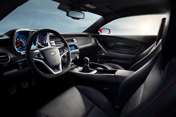 Интерьер салона Chevrolet Camaro ZL1