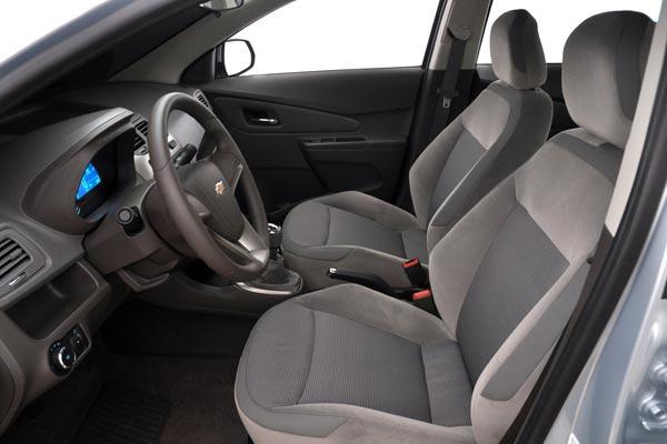 Интерьер салона Chevrolet Cobalt