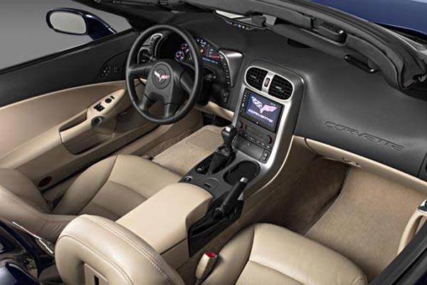 Интерьер салона Chevrolet Corvette Convertible