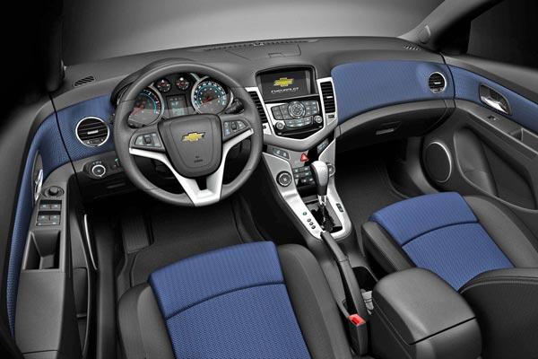 Интерьер салона Chevrolet Cruze Hatchback