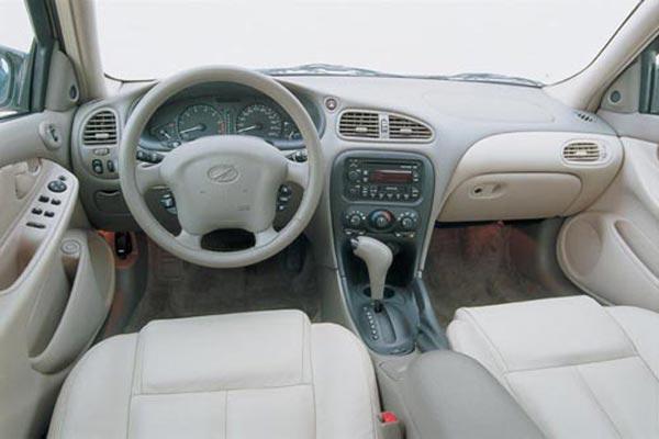 Интерьер салона Chevrolet Alero