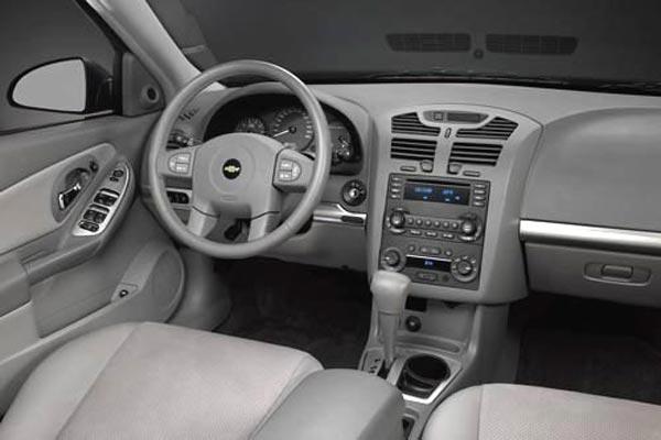Интерьер салона Chevrolet Malibu Maxx