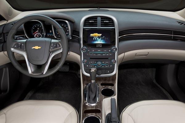 Интерьер салона Chevrolet Malibu
