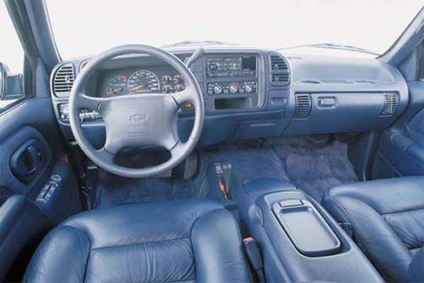 Интерьер салона Chevrolet Suburban