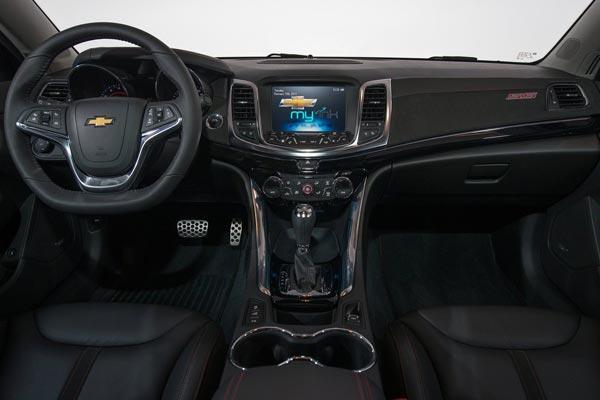 Интерьер салона Chevrolet SS