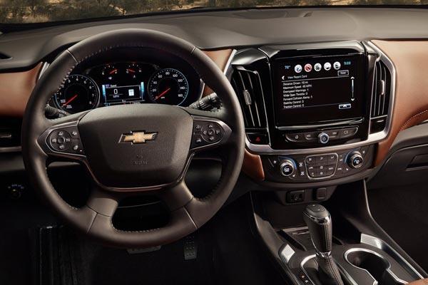Интерьер салона Chevrolet Traverse 2017