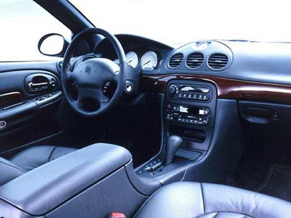 Интерьер салона Chrysler 300M