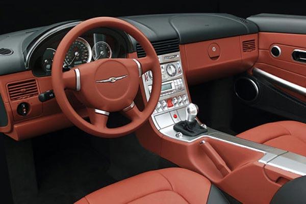 Интерьер салона Chrysler Crossfire