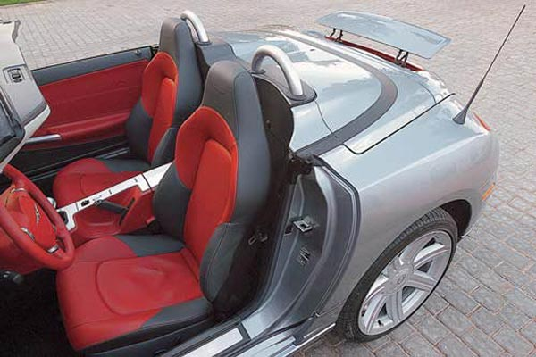 Интерьер салона Chrysler Crossfire Convertible