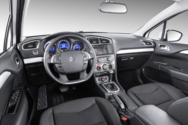 Интерьер салона Citroen C4 Sedan