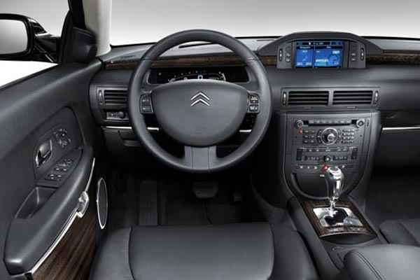 Интерьер салона Citroen C6