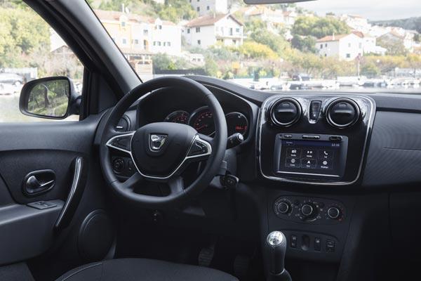 Интерьер салона Dacia Sandero