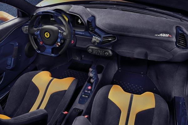 Интерьер салона Ferrari 458 Speciale A