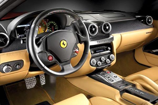 Интерьер салона Ferrari 599 GTB Fiorano