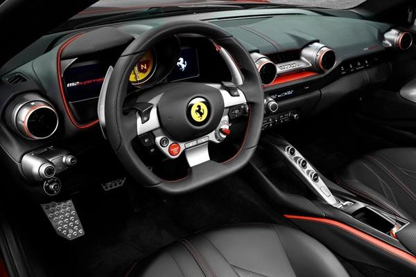 Интерьер салона Ferrari 812 Superfast