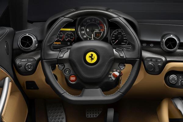 Интерьер салона Ferrari F12berlinetta