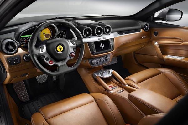 Интерьер салона Ferrari FF